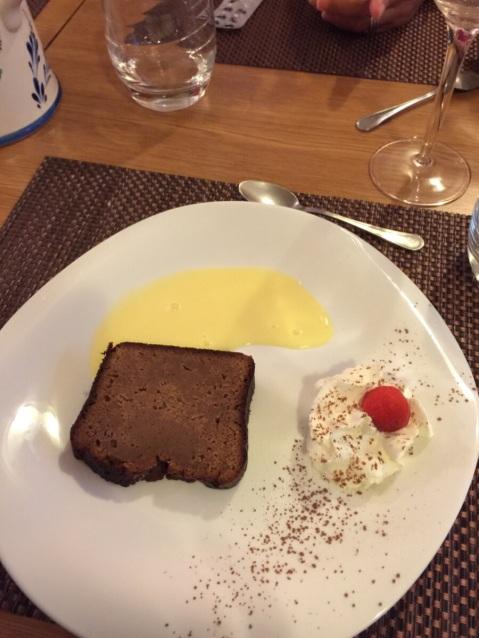 Monique's dessert. A hazlenut cake.